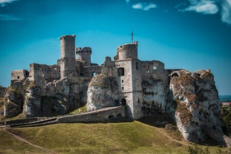 castle-the-ruins-of-the-crash-4557894